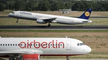 Повреда в самолета на германския външен министър забави пристигането му в София