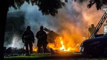 Малък самолет се разби в жилищен район в Калифорния, има загинали