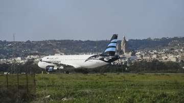 Приключи кризата с отвлечения либийски самолет