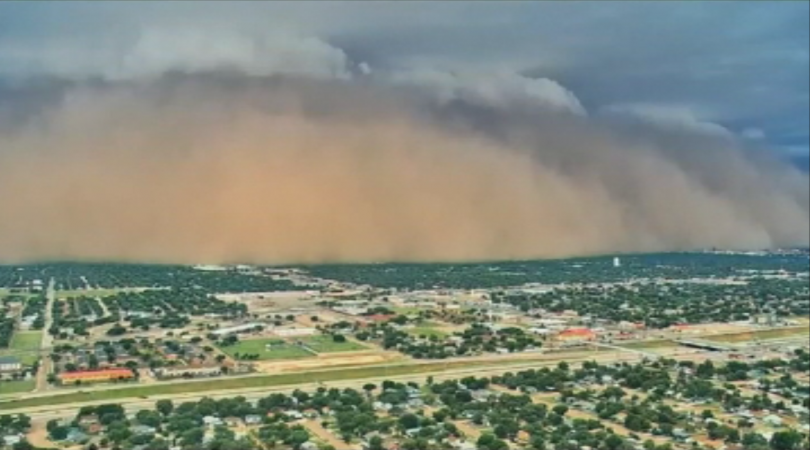 снимка 1 Пясъчна буря в Тексас
