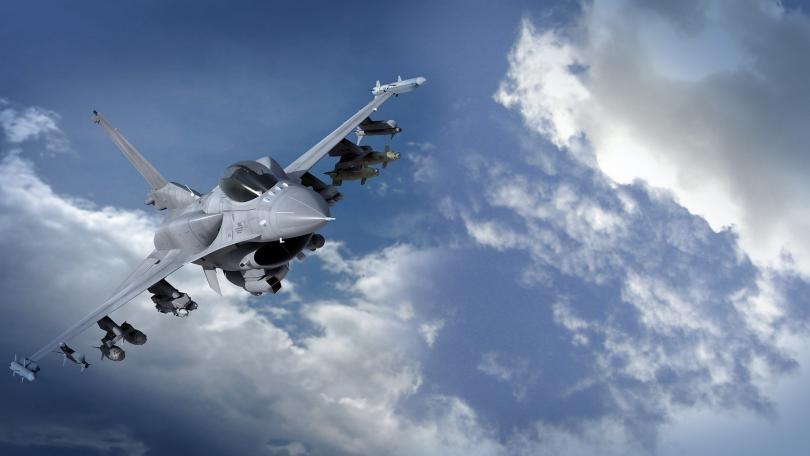 Според оценките на експертите, F-16 е един от най-добрите, доказал се в бой, съвременен лек изтребител.