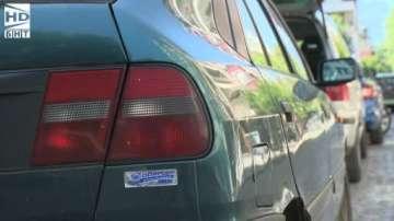 Кола тормози жители на столичен квартал