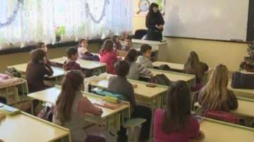Учителските заплати могат да бъдат увеличени с 15% от септември