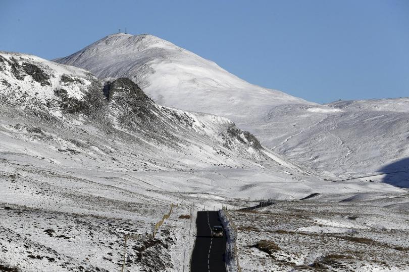 Сняг валя и в Шотландия