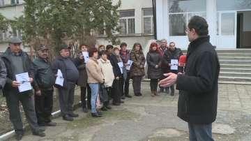 Жителите на Горно Абланово искат училището им да не бъде закривано
