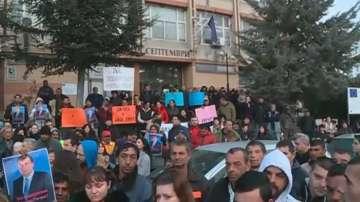 Граждани се събраха да подкрепят кмета на Септември