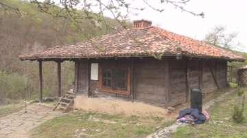 Започна реставриране на Серафимовата къща