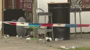 Петима убити и 20 ранени в масова стрелба в сръбско кафене