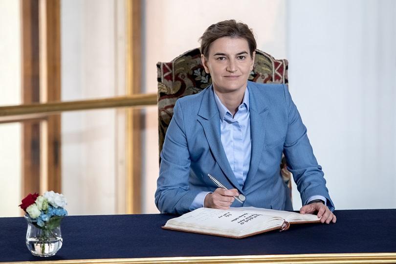 """Правителството на Сърбия гласува предложение за """"позитивен ребаланс"""" на бюджета,"""
