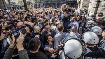 Полицията не освободи задържаните при протестите в Сърбия