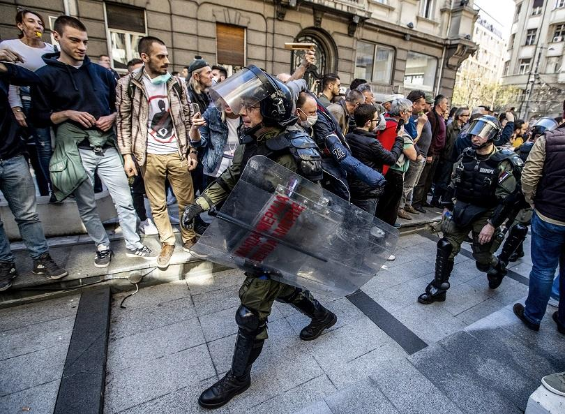снимка 1 Полицията не освободи задържаните при протестите в Сърбия