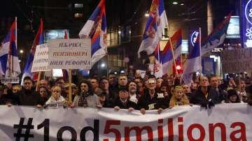 Нов мащабен протест срещу управляващите в Сърбия