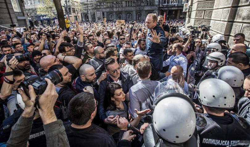 Протестът на опозицията в Белград приключи около 19.00 часа българско