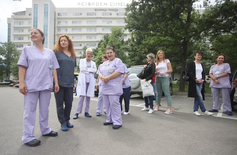 Медицински сестри отново излязоха на протест срещу дисциплинарното уволнение на