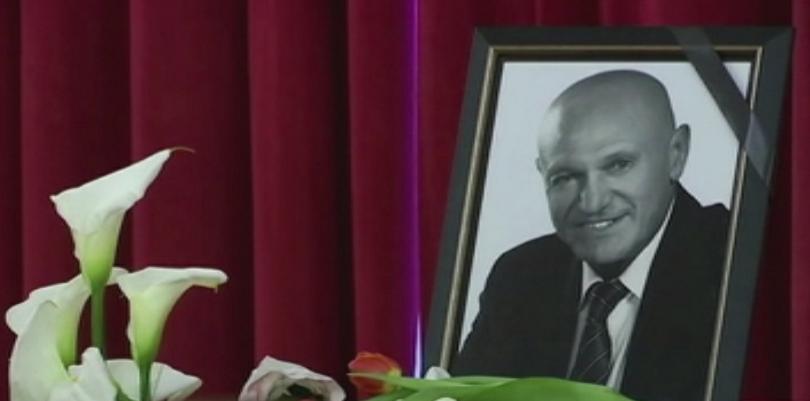 Сърбия се прости с легендарния музикант Шабан Шаулич. Стотици хора