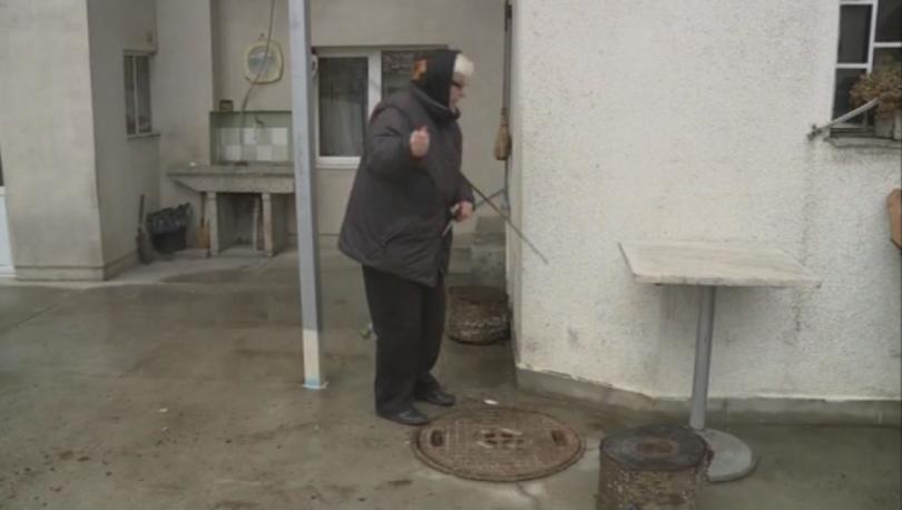 Отпадъчни води избиха в имоти на ул.