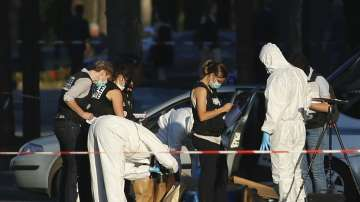 Задържаха семейството на нападателя от Шанз-Елизе