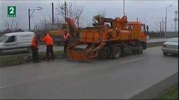 Чистят отводнителните шахти във Варна