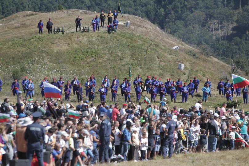 стотици почетоха паметта загиналите боевете връх шипка