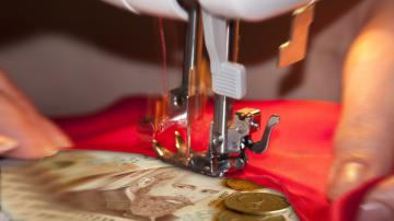 200 шивачки без заплати се срещнаха с омбудсмана Мая Манолова