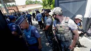 Стрелба в бразилско училище - убити са най-малко осем ученици и директорът