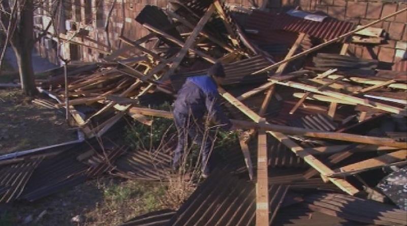 Карлово започна спешен ремонт на общинските сгради, които пострадаха най-тежко