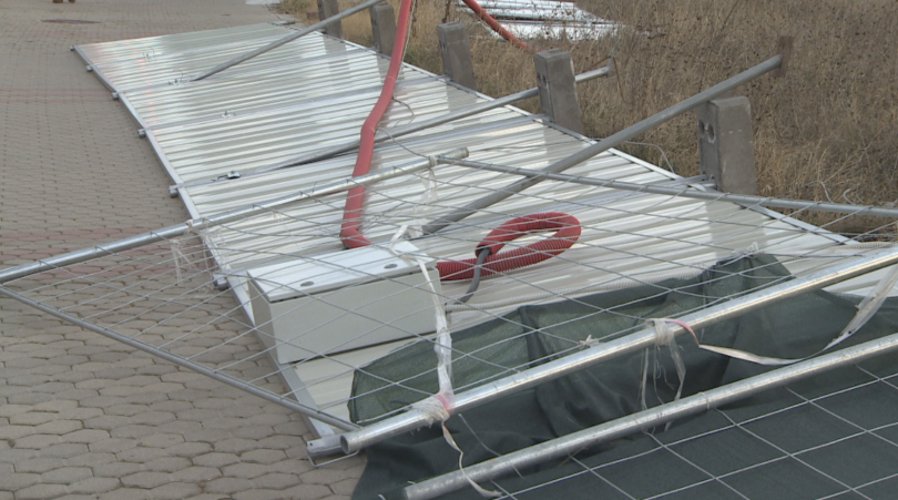 снимка 2 Най-сериозни щети от силния вятър има във Враца