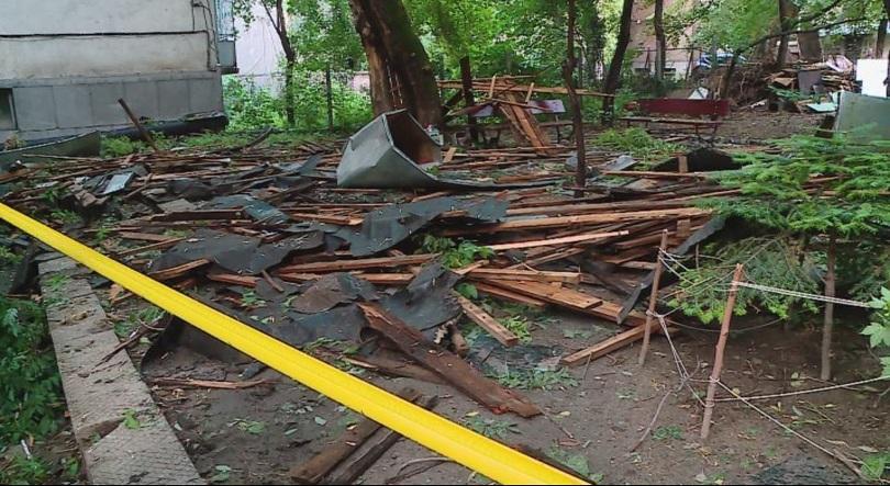 В Пловдив оценяват щетите след вчерашната буря, която отнесе покрив