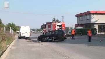 Катастрофа между моторист и лек автомобил в Шумен