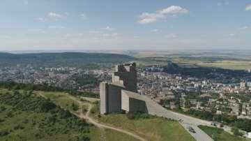 Направиха 3D възстановка на паметника Създатели на българската държава в Шумен