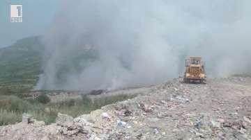 Пожар на сметището в Шумен обгази града