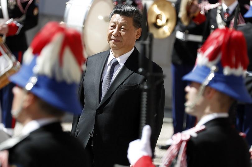 Европейската обиколка на китайския президент продължава. Си Дзинпин пристигна тази