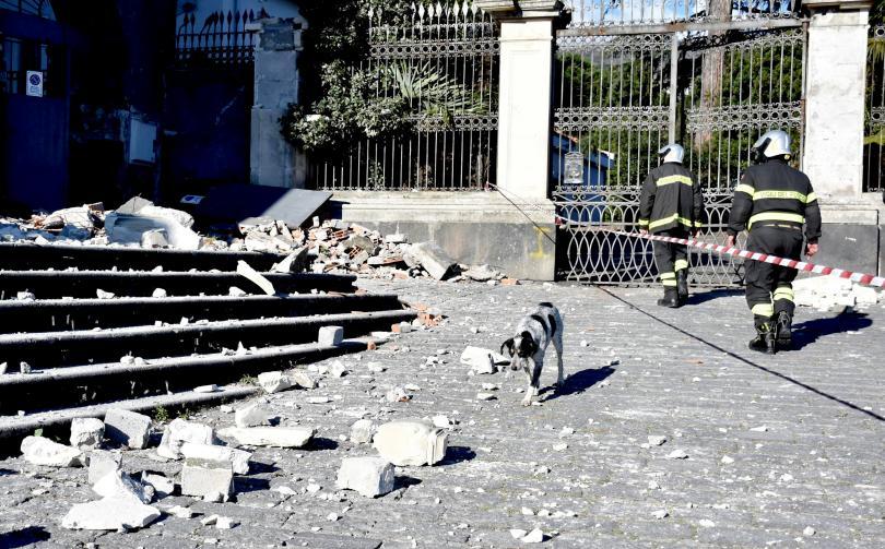Италия отпуска 10 милиона евро заради щетите от земетресението в Сицилия