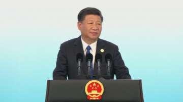 Промени в Конституцията може да отворят пътя Си Цзинпин да остане на власт