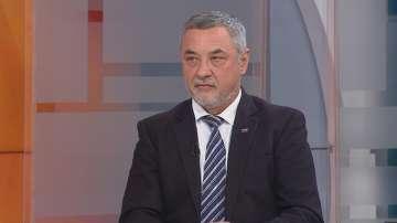 Валери Симеонов препоръчва да няма резки движения по отношение на Македония