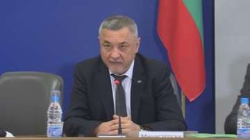 Валери Симеонов определи Бюджет 2018 като добре аранжирана пица Калцоне