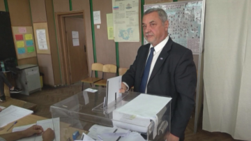 Валери Симеонов: Гласувах в общините да влязат по-достойни хора