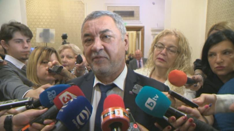 Разминаване сред Патриотите около кандидатурата на Сотир Цацаров за председател