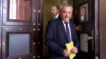 Валери Симеонов обяви мерки срещу неспазването на обществения ред в Шекер махала