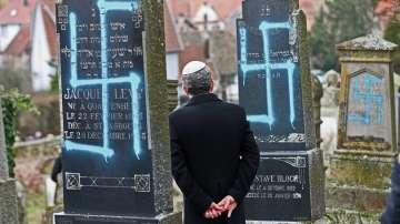 Вандали разрушиха паметника на мястото на опожарената синагога в Страсбург