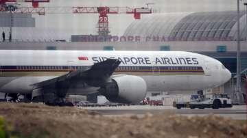 Самолет на сингапурските авиолинии се запали