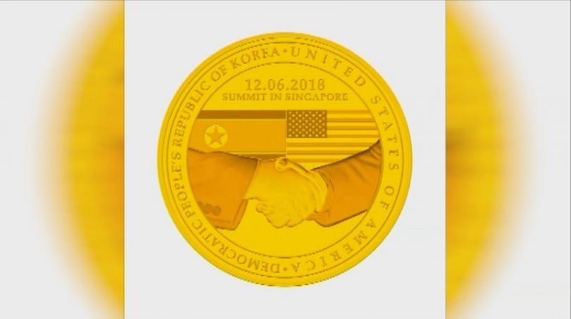 снимка 2 Специална монета в чест на срещата Тръмп-Ким Чен-ун пуснаха в Сингапур