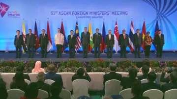 Въпроси по сигурността бяха акцент в първия ден от срещата на АСЕАН в Сингапур