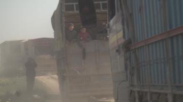 Цивилни бяха евакуирани от последния джихадистки бастион на Ислямска държава