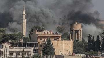 Цивилни напускат обстрелваните градове в Сирия