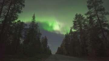 Светлинен спектакъл озари небето над Финландия (ВИДЕО)