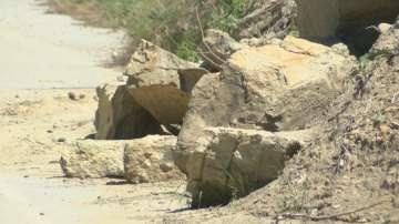 Жители на община Сухиндол излязоха на протест заради разрушен път