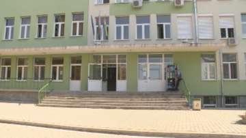 В болницата в Павликени забравиха възрастна жена 6 часа затворена в скенер