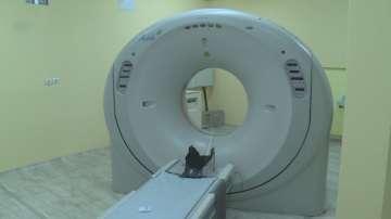 Поставят звънец на скенера, където беше забравена пациентка