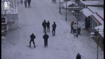 В Бургас карат ски по главната улица